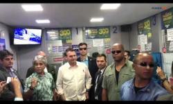 Bolsonaro joga na Mega-Sena da Virada em lotérica em Brasília