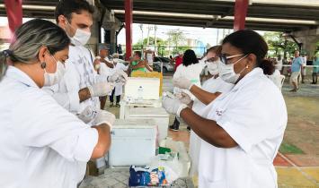 Vacinação de rotina suspensa até 15 de abril, mas contra gripe segue normal