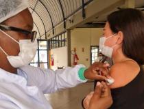 Campos com vacinação noturna e nos finais de semana