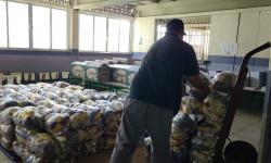 Depois de roubo de caminhão carregado com merenda, Prefeitura de Campos dá prosseguimento ao calendário de distribuição de kits alimentares