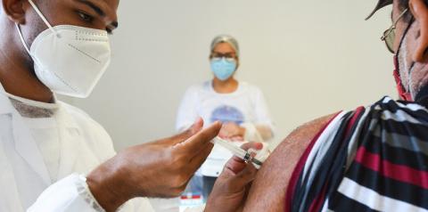 Vacinação noturna: Saúde libera 320 vagas para agendamento online