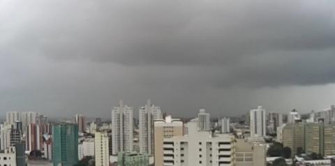 Defesa Civil prevê forte chuva até quarta-feira em toda região  Norte Fluminense