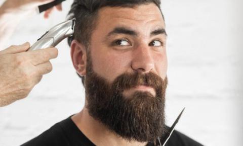 A alta demanda pelas barbearias chama a atenção para o serviço de visagismo para homens e evidencia o trabalho do cabeleireiro visagista nesta área