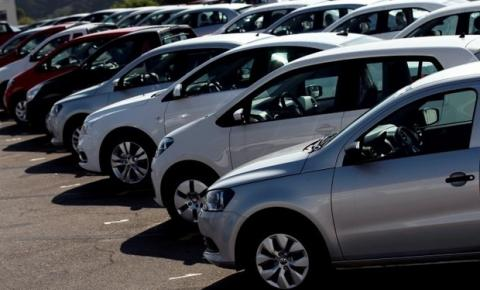 Venda de veículos chega a cair 0,3% em agosto, porém produção aumenta cerca de 1%