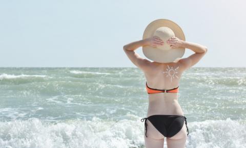 O verão vem aí: como prevenir o envelhecimento cutâneo e o câncer de pele