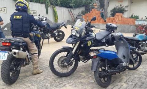 PRF apreende duas motos adulteradas em blitz em Campos