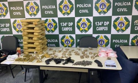 Polícia apreende cerca de 30 kg de maconha e armas em Campos