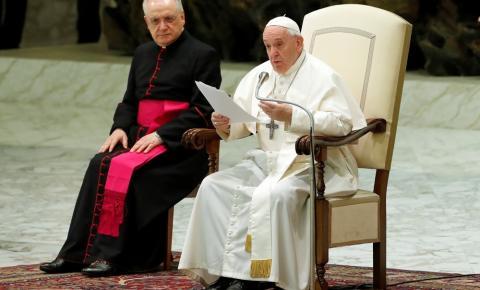 Papa Francisco rejeita proposta de ordenação de homens casados como padres na Amazônia