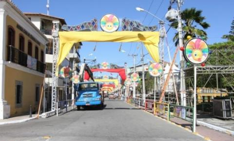 Concursos carnavalescos nesta sexta-feira (14)