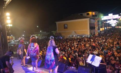 Shows agitam carnaval em SJB