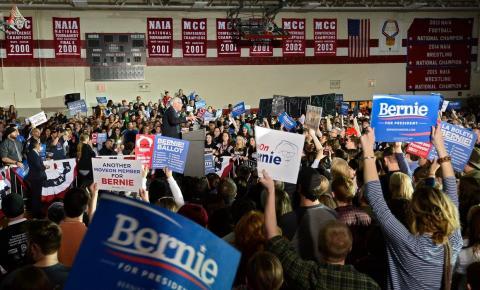 Primárias democratas: Superterça consolida luta entre Biden e Sanders