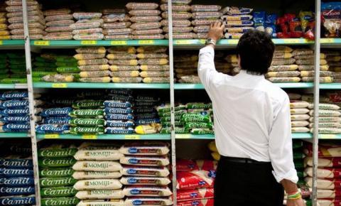 Preço da cesta básica sobe em 10 das capitais pesquisadas pelo Dieese