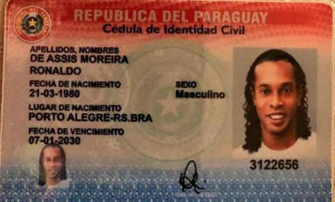 Autoridades paraguaias mantêm prisões de Ronaldinho e de seu irmão