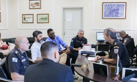 Prefeitura e polícias se unem para combater crimes em escolas