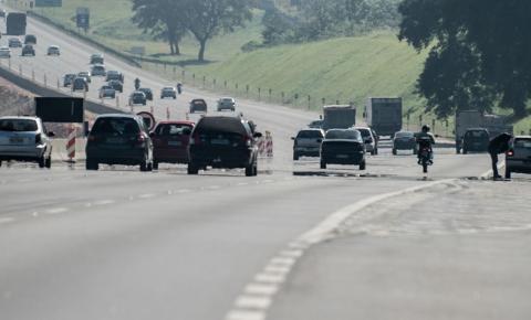 PRF: saídas de diversas rodovias federais do RJ foram bloqueadas