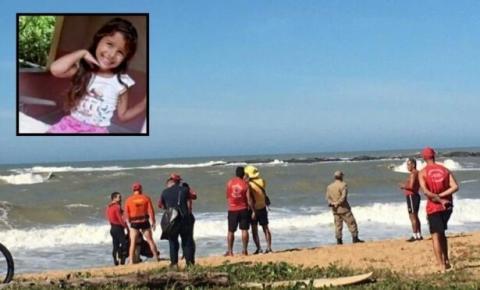Corpo de Bombeiros e Defesa Civil de Rio das Ostras fazem buscas por criança que desapareceu no mar