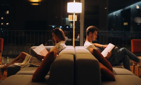 Segundo pesquisa de Harvard, durante a noite o cérebro faz conexões importantes para amenizar os problemas do dia
