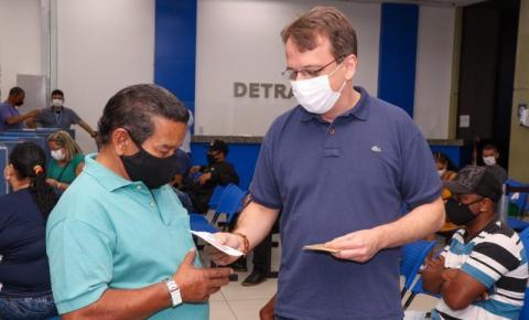 Governo do Estado entrega cartões do SuperaRJ em unidades do Detran.RJ