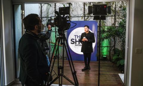 Natan Balieiro grava novos episódios do Programa 'The Show' em São Paulo