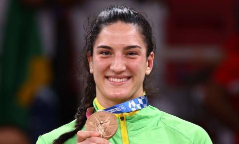 Mayra Aguiar conquista bronze no judô