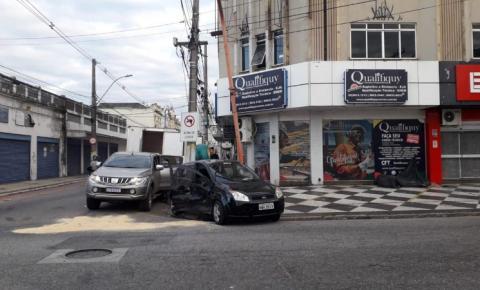Ocupantes escapam ilesos de acidente em Campos