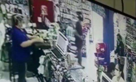 Bandidos assaltam farmácia na tarde desta sexta-feira, em Campos; suspeitos são presos
