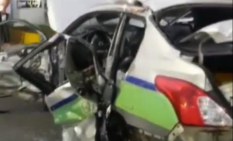 Vídeo: Forte colisão entre táxi e caminhão deixa ocupantes feridos, em Campos