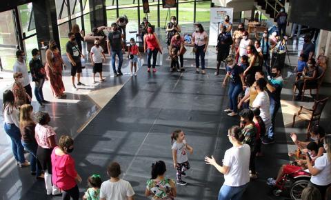 Mês das Crianças: Brincadeiras para a criançada e lives no Trianon