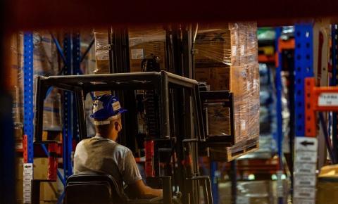 São divulgadas cerca de 900 vagas de emprego no Estado do Rio