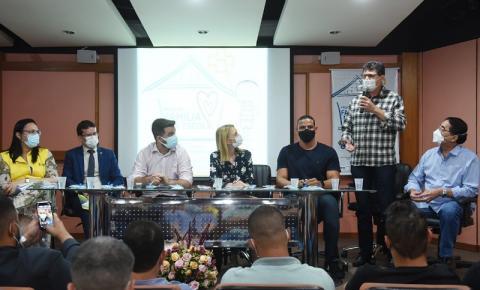 Campos: Prefeito Wladimir e secretária Nacional lançam o Programa Família na Escola