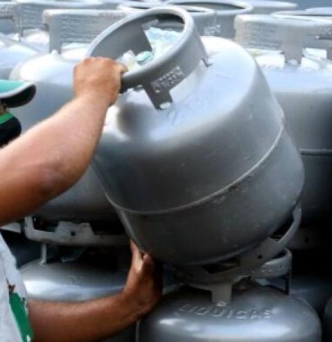 Estado do Rio paga auxílio-gás na próxima parcela do SuperaRJ